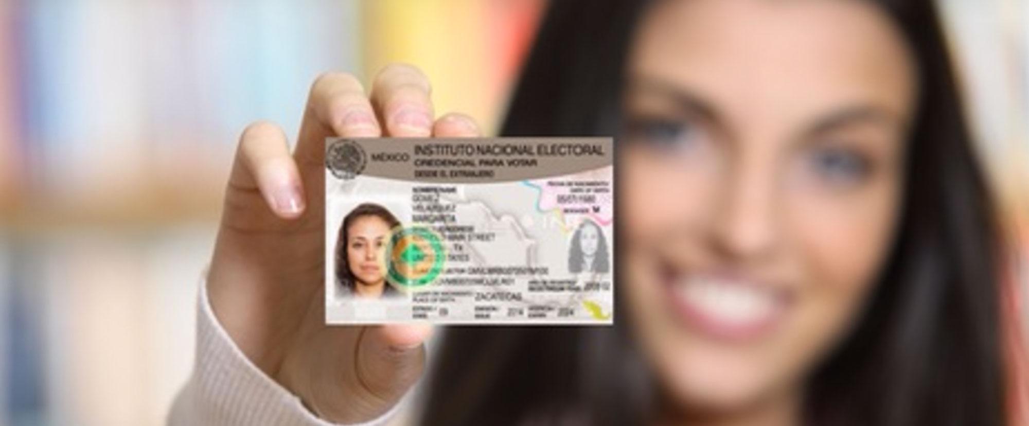 Sigue 4 sencillos pasos para obtener tu Credencial para Votar del INE desde el extranjero
